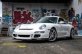 Картинка Porsche, 997, 911, white, building, graffiti, wall