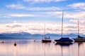 Картинка облака, буйки, рассвет, горы, озеро, лодки