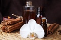 Картинка цветок, масло, свеча, корица, орхидея, бутылочки