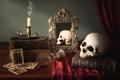 Картинка череп, бокал, свеча, зеркало, книги, натюрморт, карты