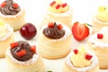 Картинка клубника, вишня, шоколад, крем, ягоды, черешня, десерт