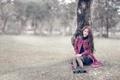 Картинка девушка, дождь, дерево, настроение