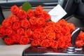 Картинка авто, цветы, розы, букет, салон, конвертик