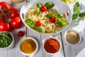Картинка зелень, масло, помидоры, спагетти, приправа