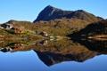 Картинка отражение, небо, дома, гора