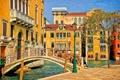 Картинка мост, дерево, дома, Италия, фонарь, Венеция, канал