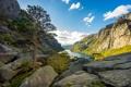 Картинка пейзаж, горы, озеро, дерево, скалы, фьорд