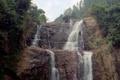 Картинка трещины, скалы, кусты, деревья, водопад