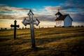 Картинка поле, небо, облака, крест, вечер, церковь, могила