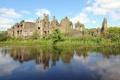 Картинка зелень, гладь, отражение, река, замок, руины