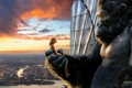 Картинка закат, горилла, кинконг, высота, фильм, город, блондинка
