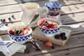 Картинка ягоды, завтрак, черника, клубника, ежевика, джем, йогурт