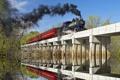Картинка небо, деревья, мост, отражение, река, дым, паровоз
