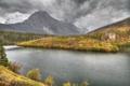 Картинка осень, небо, трава, деревья, горы, тучи, река