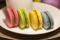 Картинка желтый, синий, еда, macarons, розовый, макарон, пироженки
