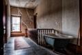 Картинка окно, лестница, ванна