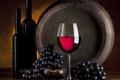 Картинка стол, вино, бокал, виноград, бочка