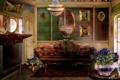 Картинка комната, диван, интерьер, арт, люстра, картины, камин