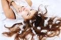 Картинка девушка, волосы, перья