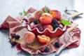 Картинка ягоды, черешня, ежевика, нектарины