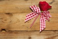 Картинка rose, бантик, boards, bow, доски, роза, ribbon
