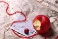 Картинка письмо, яблоко, газета, ленточка