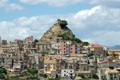 Картинка небо, облака, город, фото, гора, Италия, Centuripe