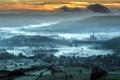 Картинка пейзаж, закат, туман, дома, долина