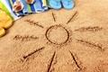 Картинка песок, пляж, лето, отдых, полотенце, очки, summer