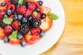 Картинка ягоды, тарелка, ассорти