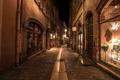 Картинка ночь, огни, улица, Франция, дома, переулок, Lyon